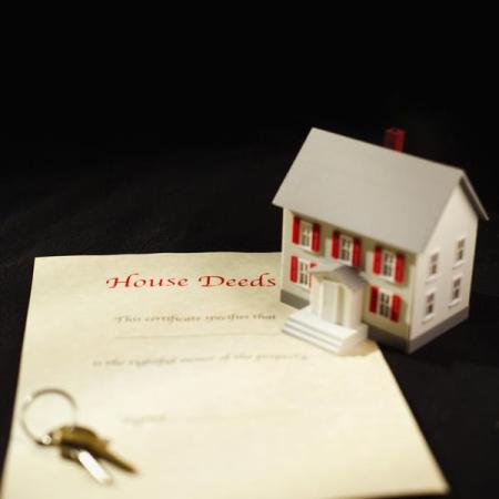 How to Transfer a Deed to a Family Member