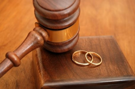 Why you should be the applicant at the beginning of a divorce case